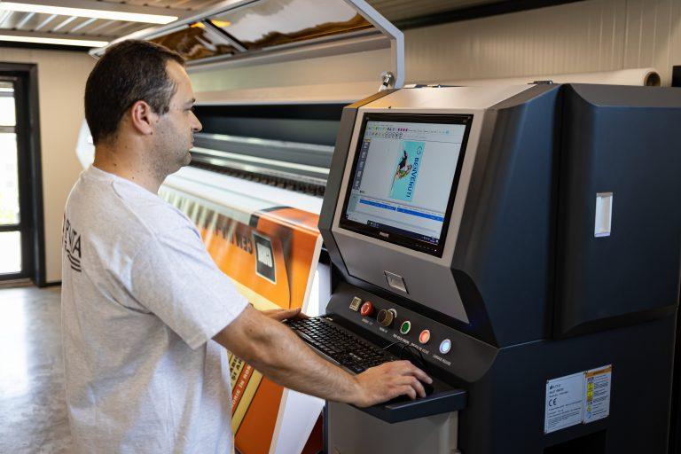 Ajustarea graficii pentru afșul care va fi printat