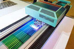 imprimanta cu tehnologia UV