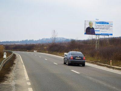 Panou publicitar unisign la ieșire din oraș