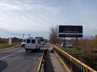 Panou publicitar de tip billboard la intrare in oraș