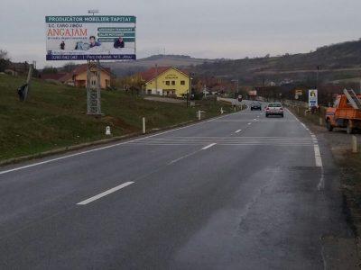 Panou publicitar unisign amplasat la ieșirea din oraș