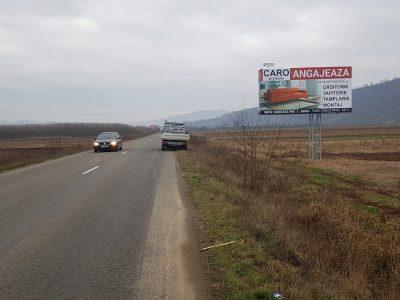 Panou publicitar unisign amplasat la intrarea în oraș